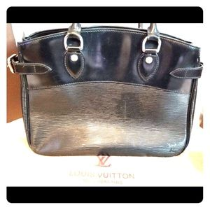 Authentic Louis Vuitton Black Epi Leather Purse